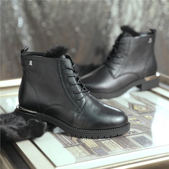 夢特嬌水貂絨時尚女靴買一送一