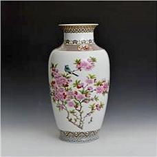 《国色天香鸟语花香》粉彩对瓶