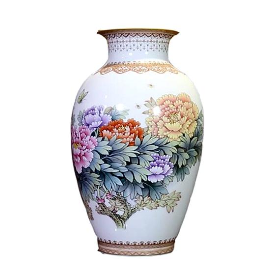 《花開富貴》手繪粉彩瓶